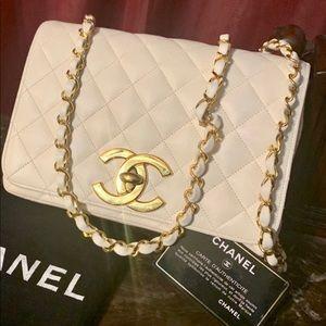 💎RARE off white Chanel vintage crossbody jumbo CC